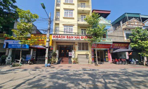 Bán khách sạn 6 tầng đường Nguyễn Huệ, phường Phố Mới